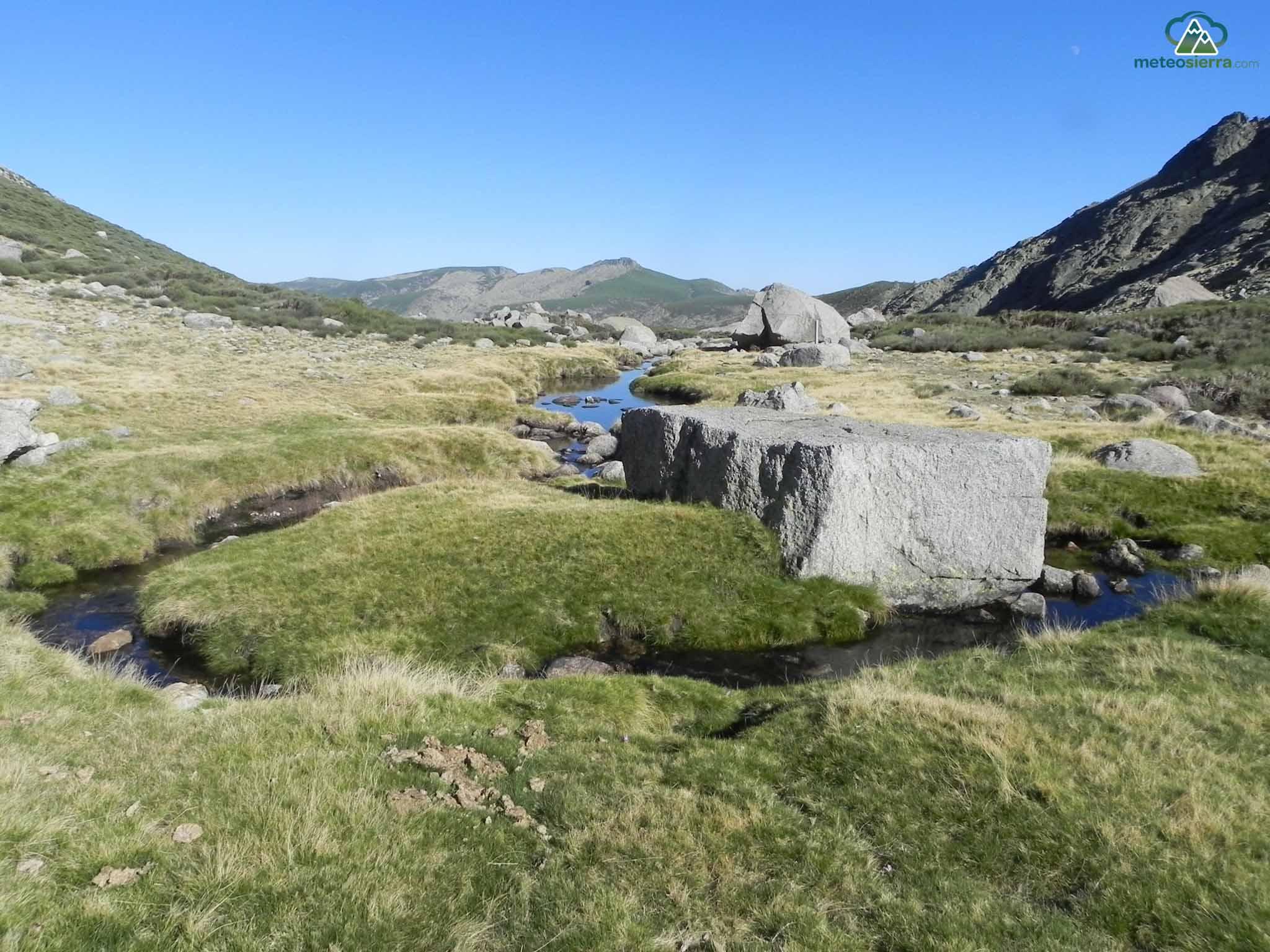 Al fondo el Cancho (2271 m)
