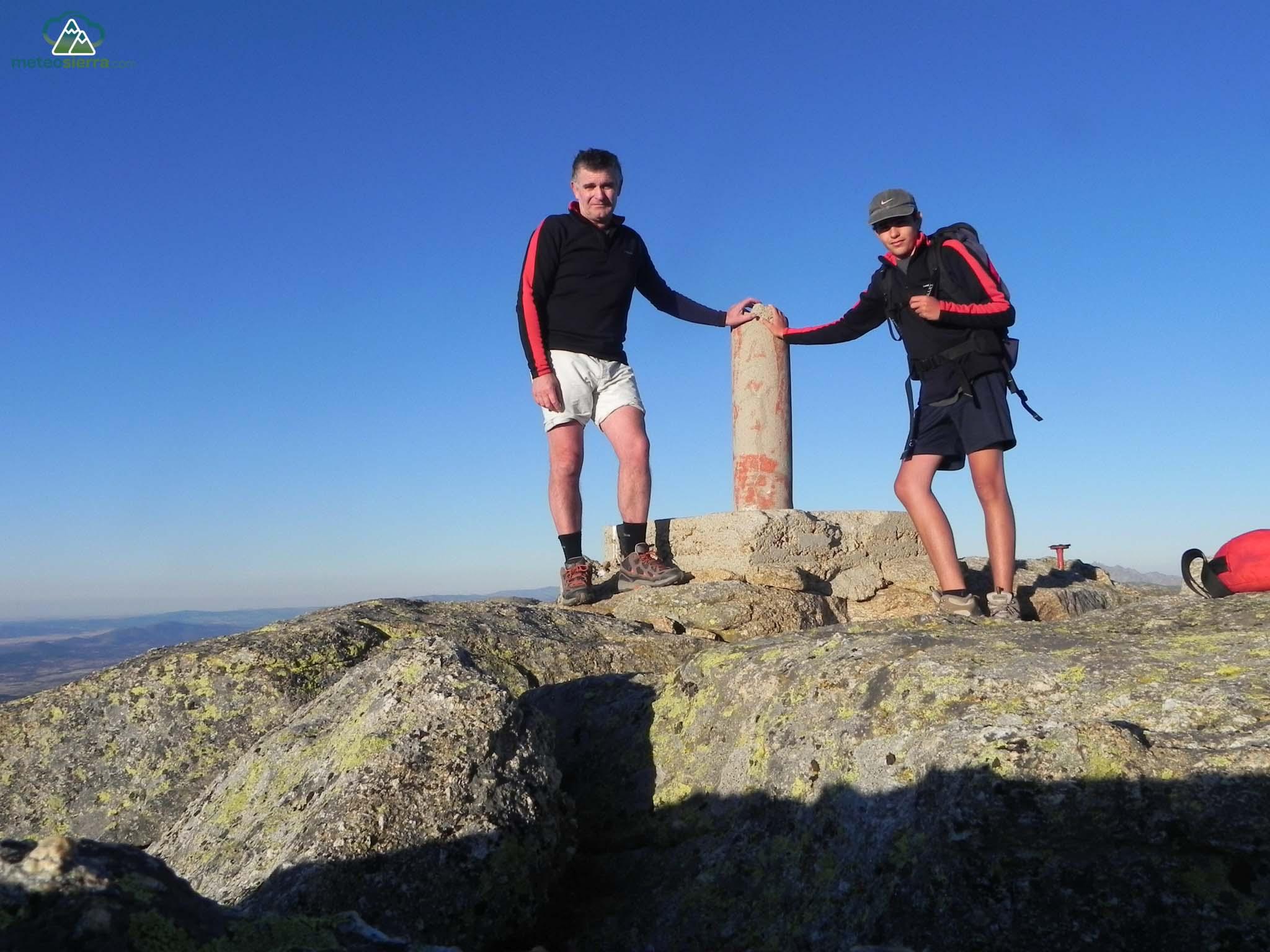 En la cumbre de la Covacha (2395 m)